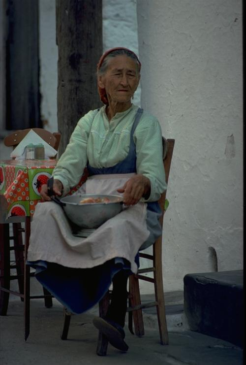 Old woman in Skiathos - at the Taverna Mesogia apx. 1976 - Photo: O.Leholt - Canon TX